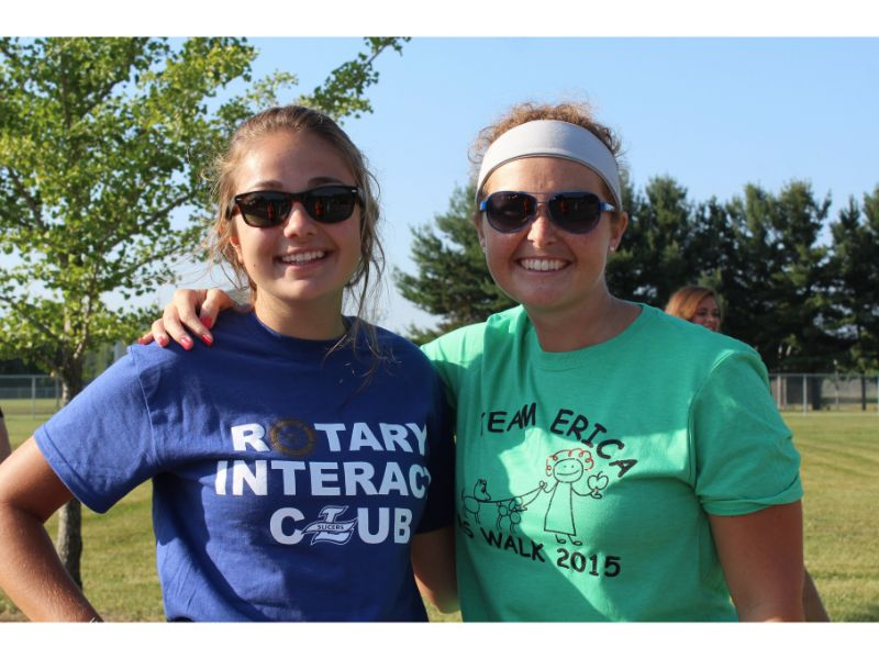 Photo by: Slicer Newsroom   Senior Anna Kozor initiated the idea for the run that supports M.S. She came up with the idea after hearing Mrs. White (right) was diagnosed with the disease.