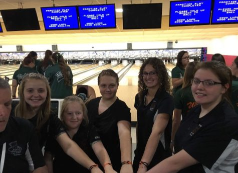 LPHS Bowlers hit the lanes
