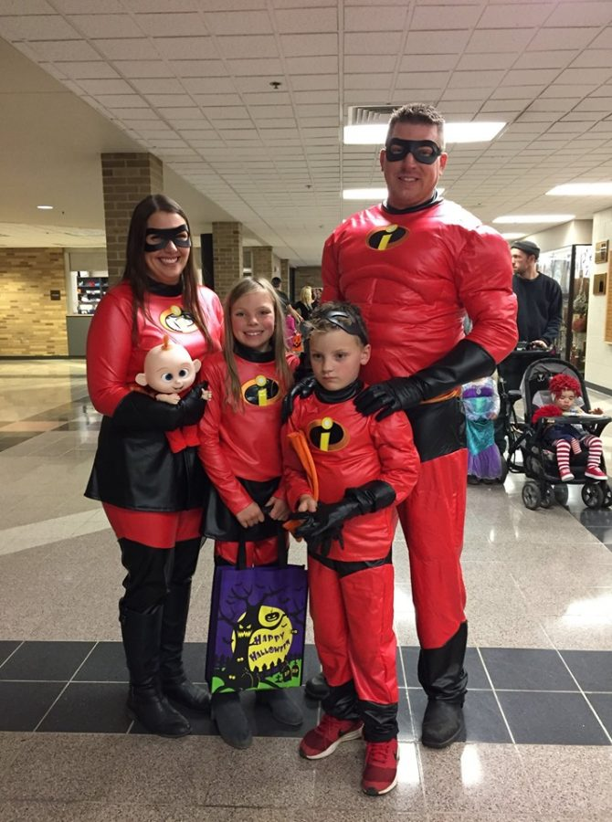 Spooktacular+fundraiser%3A+LPHS+trick-or-treat
