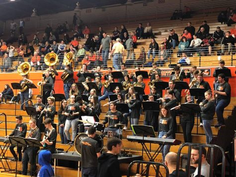 LPHS Pep Band encourages LPHS basketball teams
