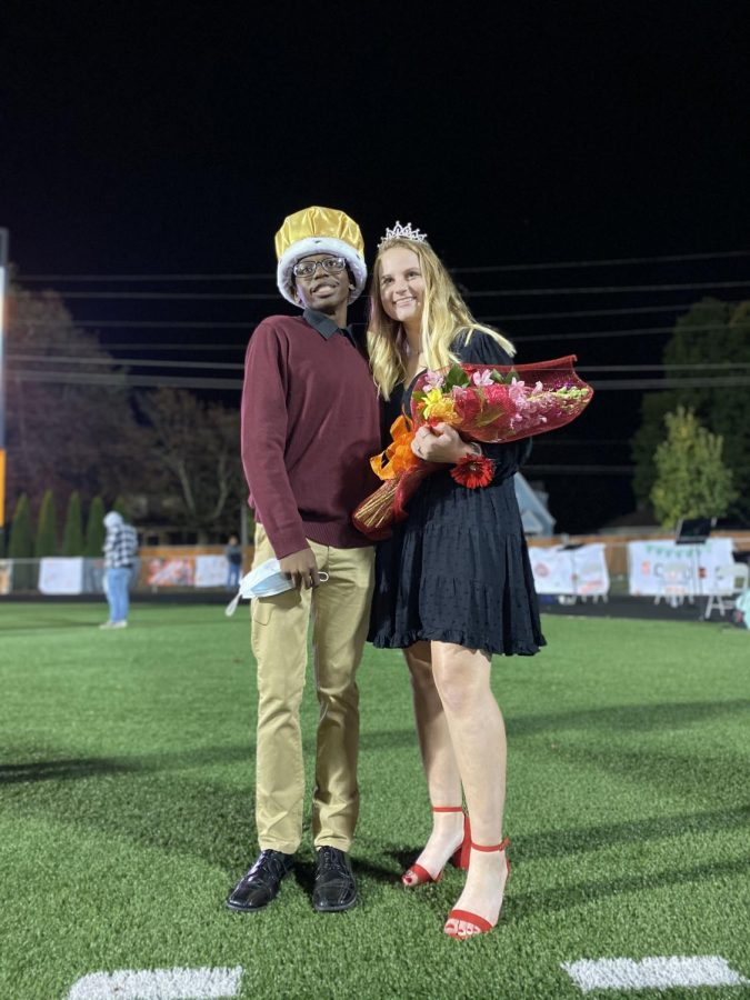 LPHS crowns Homecoming king, queen
