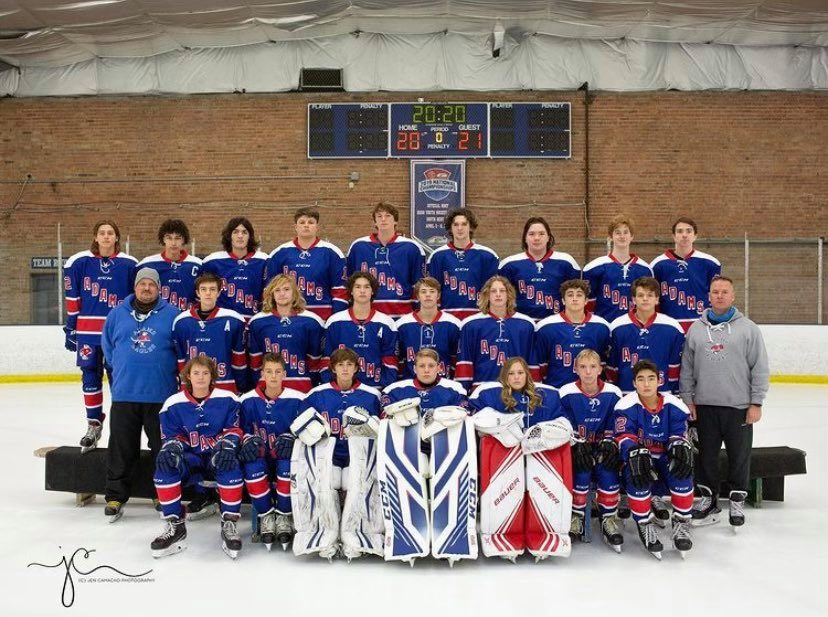 LPHS students slide into spotlight in South Bend Hockey